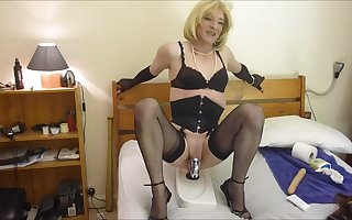 Amatuer Sissy CD Tranny riding